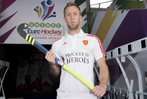 England Captain, Barry Middleton poses for the camera wearing the Hockey for Heroes shirt at the Lee Valley Tennis and Hockey Centre on August 20, 2015. (Photo by England Hockey)