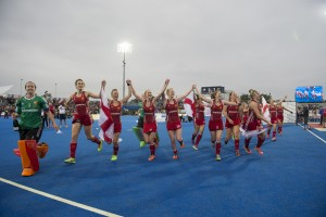 England players celebrating winning the Unibet EuroHockey Championships. Credit Chris Lee