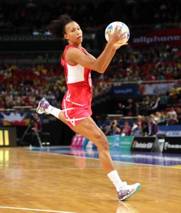Serena Guthrie takes the pass Netball World Cup, England v Samoa, All Phones Arena, Sydney, Australia. Sunday 9 August 2015. Photo: Paul Seiser/SPA Images/PA photos