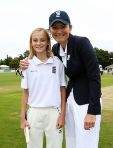 CANTERBURY, ENGLAND - AUGUST 11: Charlotte Edwards, Captain of England poses with match mascot prior to the start of play during day one of the Kia Women's Test of the Women's Ashes Series between England and Australia Women at The Spitfire Ground on August 11, 2015 in Canterbury, United Kingdom. (Photo by Dan Mullan/Getty Images)